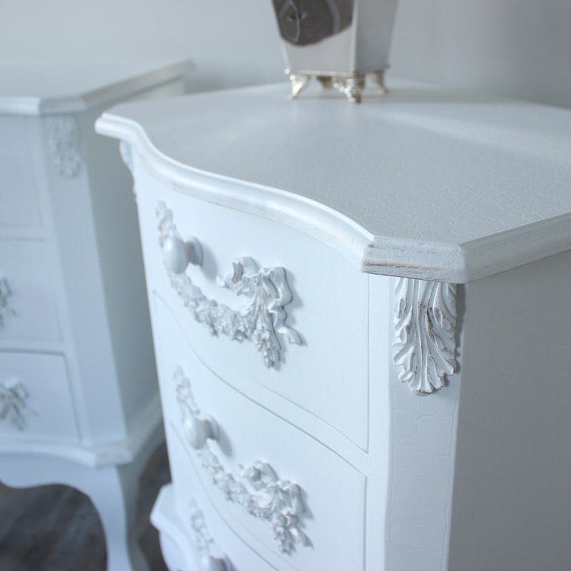 Pays Blanc Range - Furniture Bundle, Antique White Closet, Dressing Table, Mirror, Stool, Chest of Drawers and 2 Bedside Tables