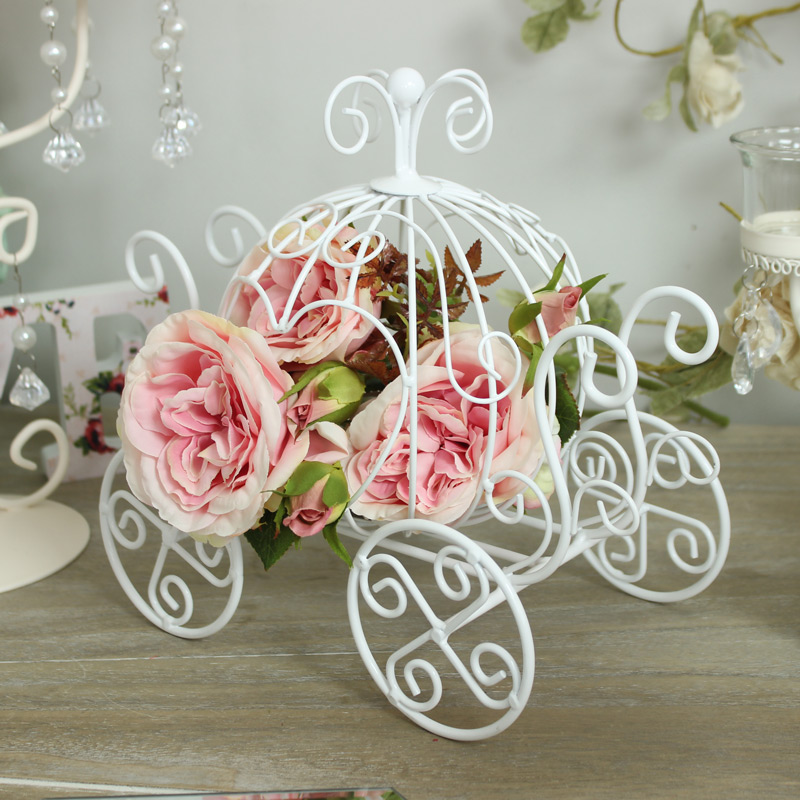 White Princess Carriage Candle Holder