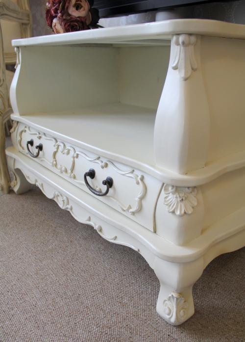 Kensington Range - Ornate TV Cabinet with Drawer